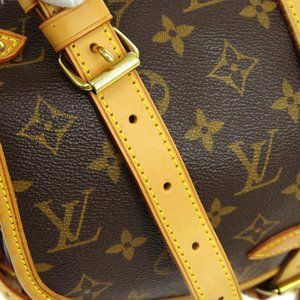Louis Vuitton Bags - 💎✨LIKE NEW✨💎LOUIS VUITTON SAUMUR SHOULDER BAG